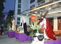 Gx TTS: Kiệu Chúa vác Thánh Giá-Ngắm Đứng - Thứ Sáu Tuần Thánh   2015