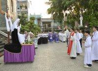 Gx TTS: Chặng Đàng Trọng Thể ngoài trời  và Ngắm Dấu Đinh - Thứ Bảy Tuần Thánh  2015