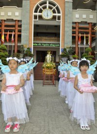 Giáo Xứ Tân Thái Sơn; Rước Kiệu và Mừng Lễ Chúa Phục Sinh 2015