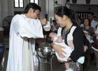 Gx TTS: Rửa Tội Trẻ Em Chúa Nhật Đầu Tháng