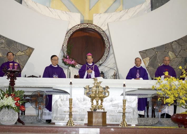 Gx TTS: Lễ Giỗ 10 Năm Bà Cố Maria – Thân Mẫu Cha Chính Xứ Phê-rô