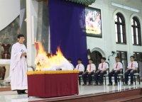 Thánh Lễ Tiệc Ly Thứ Năm Tuần Thánh 2015 (Dành Cho Thiếu Nhi)