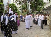 Giáo Dân Tân Thái Sơn tham dự Viếng Chặng Đàng trọng thể ngoài trời.