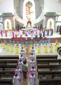 Hình ảnh Giáo xứ Tân Thái Sơn Dâng Hoa Đức Mẹ Bế Mạc Tháng Hoa 2014