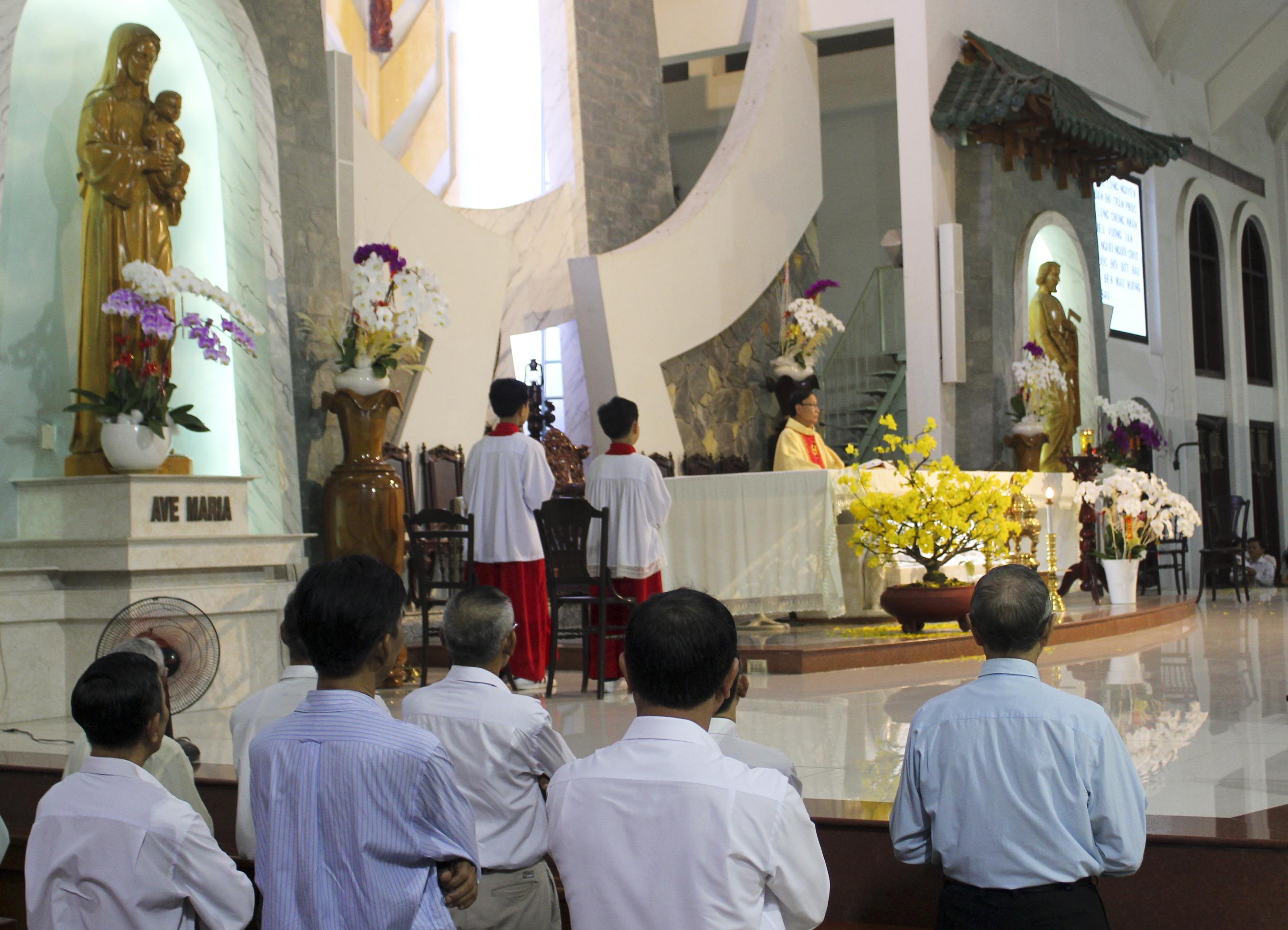 Giáo Dân Tân Thái Sơn Mừng Tết Đinh Dậu 2017 - Mùng Ba Thánh Hóa Công Việc Làm Ăn