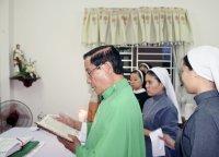 Làm phép nhà-nhà nguyện Hội Dòng các chị em bác ái Thouret cộng đoàn Tân Thái Sơn
