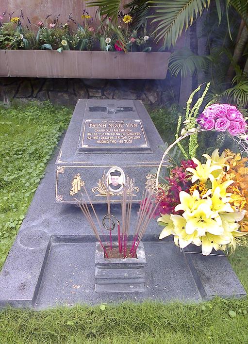 Gx TTS: Thăm Viếng Mộ Cha Cố An Tôn Trịnh Ngọc Văn Nhân Ngày Giỗ 25 Năm
