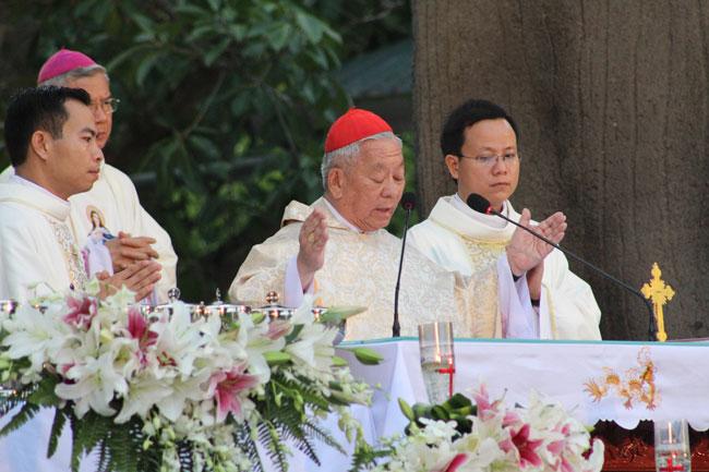 Thánh Lễ mừng kính Đức Maria Hồn Xác Lên Trời tại Linh Địa La Vang 2016