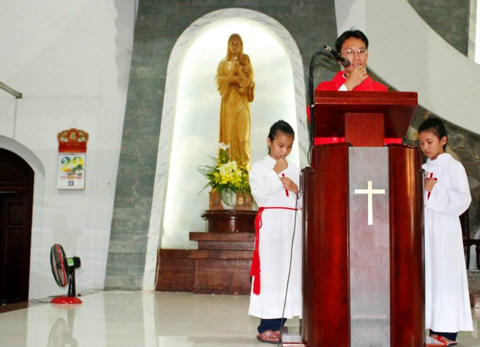 Giờ Lễ Tuần Tĩnh tâm - Tuần Thánh Và Đại Lễ Phục Sinh 2016 Gx Tân Thái Sơn